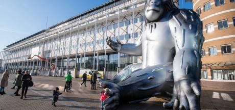 Apeldoorn neemt afscheid van 'King Kong' Baboe