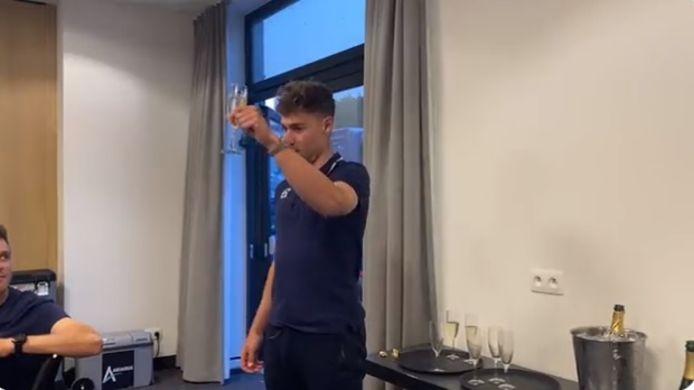 Fabio Jakobsen a porté un toast après sa victoire sur le Tour de Wallonie.