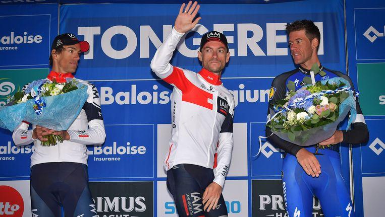 Reto Hollenstein (L) werd tweede in de Baloise Belgium Tour. De eindzege was weggelegd voor Dries Devenyns. Beeld BELGA