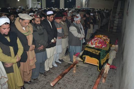 Begrafenis van een omgekomen leerling.