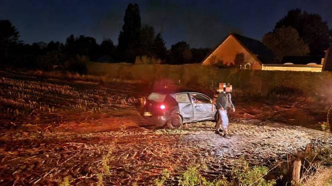 Alweer vliegt een auto bijna het huis van Daan en Hetty binnen (dat nog niet hersteld is van vorige crash)