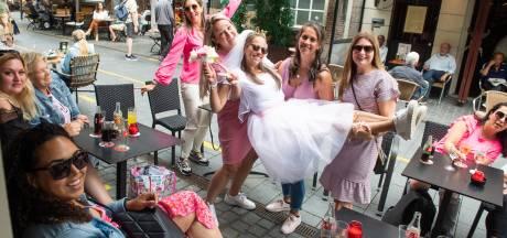 Prinsessen, bierflessen en konijnenpakken: het is weer vrijgezellig in Breda