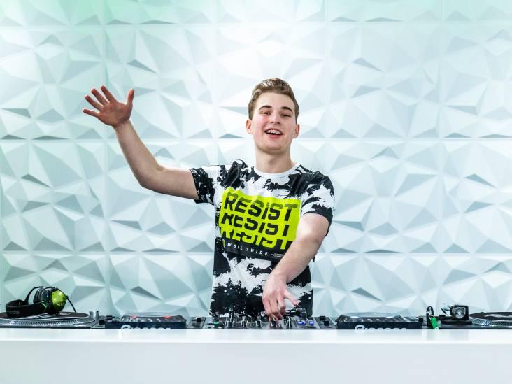 DJ BastiQ is net 16 en organiseert zijn eigen feesten: 'Hoe meer mensen, hoe beter, geen huiskamerfeestje!'