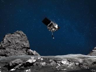 Nasa-sonde Osiris-Rex verliest deeltjes van planetoïde in de ruimte