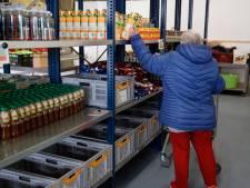 'Winkelen' in de Voedselbank: pakketten in de ban