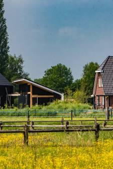 Peter van Ee uit Wesepe wil één ding horen van de gemeente Olst-Wijhe: 'Er is een zooitje van gemaakt'