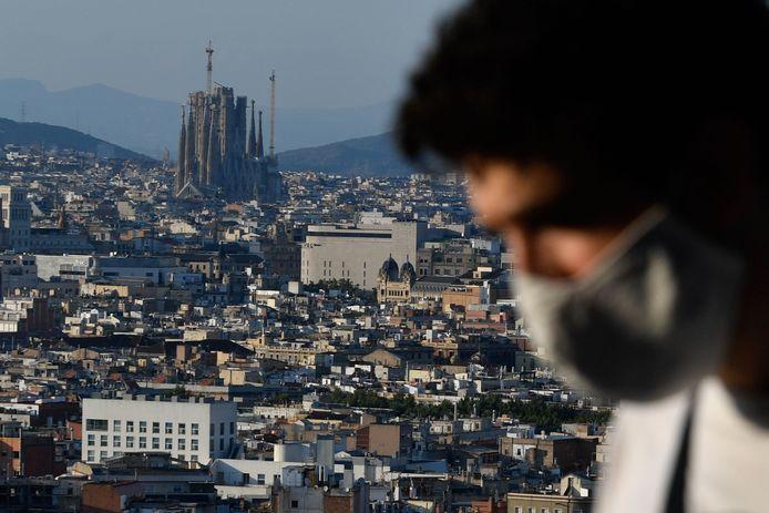 Vue aérienne sur Barcelone et la Sagrada Família.