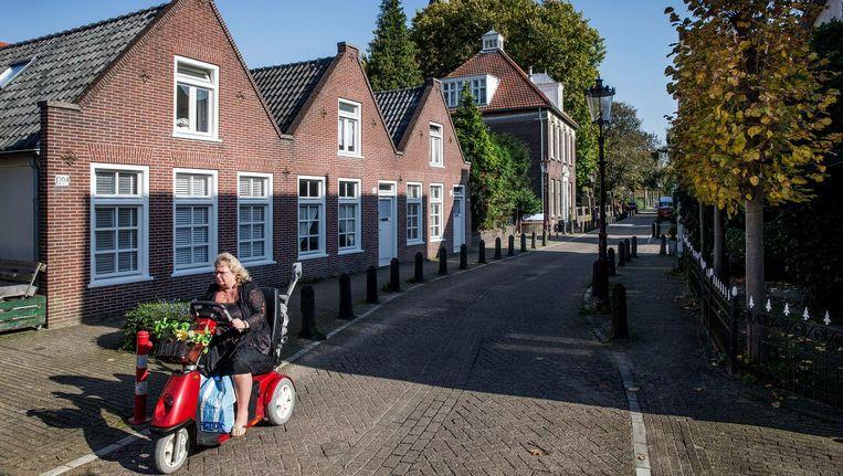 De Sloterweg in Sloten. 'Dit dorp herinnert aan hoe het hier ooit is geweest' Beeld Jean-Pierre Jans
