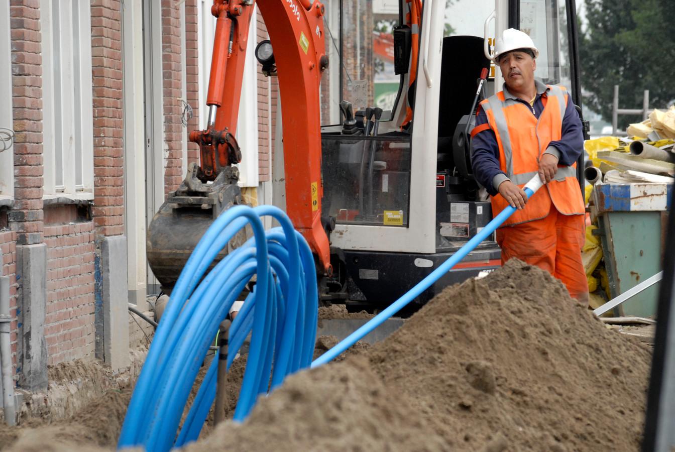 Zowel VodafoneZiggo als KPN beschikken over een landelijk dekkend kabelnetwerk.