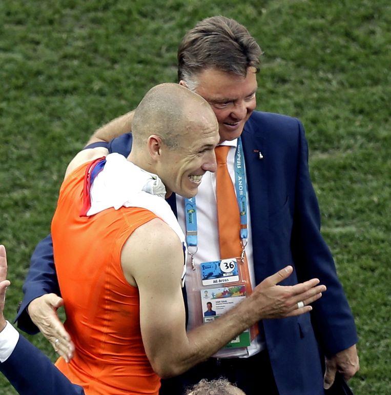 Van Gaal en Robben na de wedstrijd tegen Chili Beeld ap