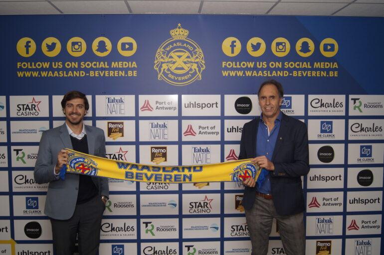 CEO Antoine Gobin (links) wil het vertrouwen van de supporters van Waasland-Beveren terugwinnen.