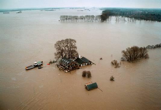 1995: hoogwater bij Wamel in het Land van Maas en Waal.