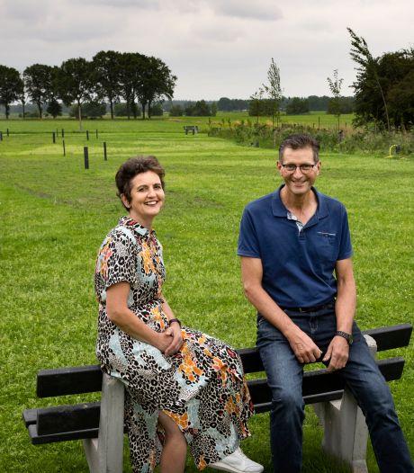 Camperplaats naast koeienboerderij op Croy geeft echtpaar balans en gasten de kans op natuurbeleving