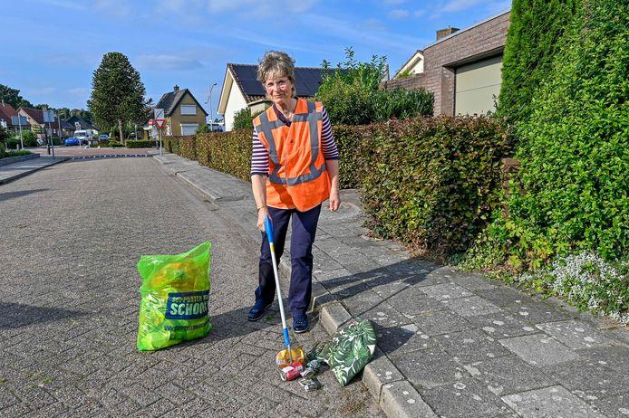Saskia Hontele kreeg een gemeentelijke Pluim voor haar activiteiten rondom Sprundel Schoon