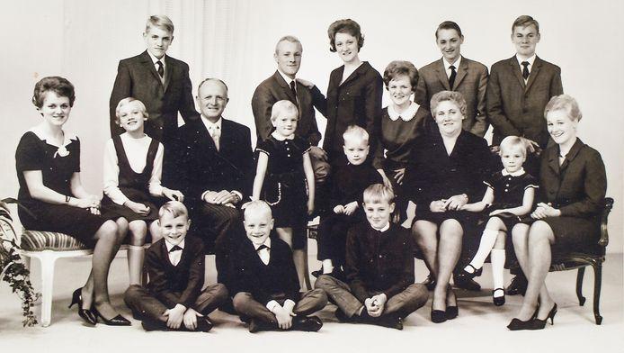 Het gezin Pots, met vader Johan en moeder Marie.