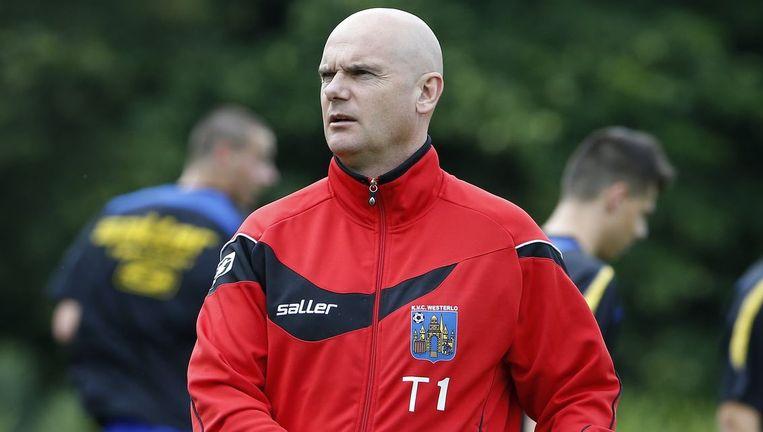 Trainer Dennis van Wijk. Beeld PHOTO_NEWS