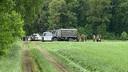 Het leger en politie tijdens hun laatste zoektocht naar het wapen.