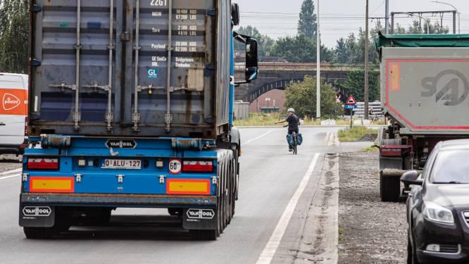 """Ondernemers bezorgd om fietsers in Gentse haven: """"Er zijn nog te veel zwarte punten"""""""