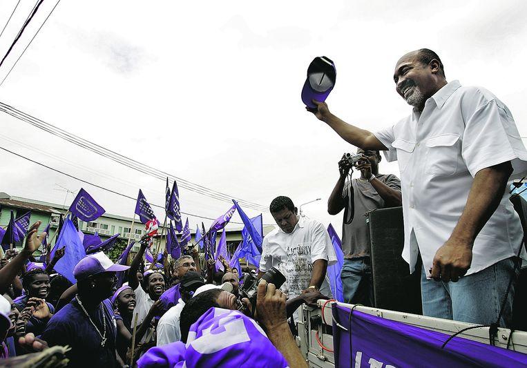 Oud-legerleider Bouterse vormt al 35 jaar een machtsfactor in Suriname. Hier spreekt hij in 2007 aanhangers toe. Beeld Guus Dubbelman/de Volkskrant