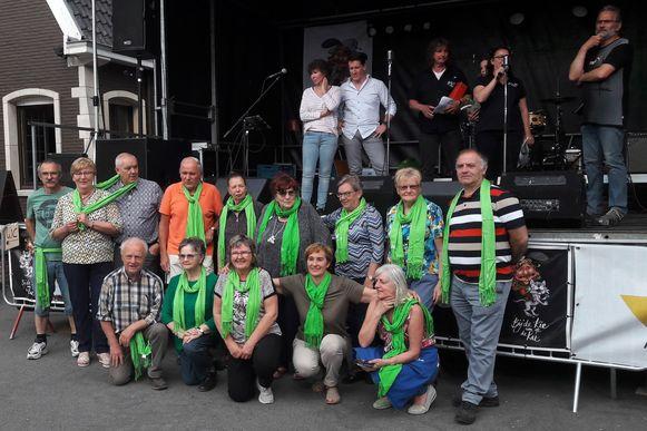 De pannenkoekenslag tijdens de Kattenfeesten bracht 2.500 euro op voor ziekenzorg Samana Denderleeuw.