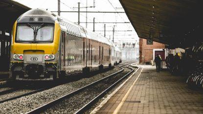 Spoorlopers en kabeldiefstallen duwen stiptheid treinen naar laagste niveau in 10 maanden