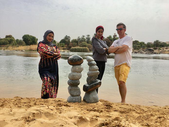 En Egypte staat ook een beeldhouwwerk van Jorg.