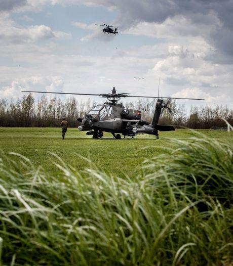 Oordoppen in: Luchtmacht en Korps Mariniers oefenen boven de Hoeksche Waard