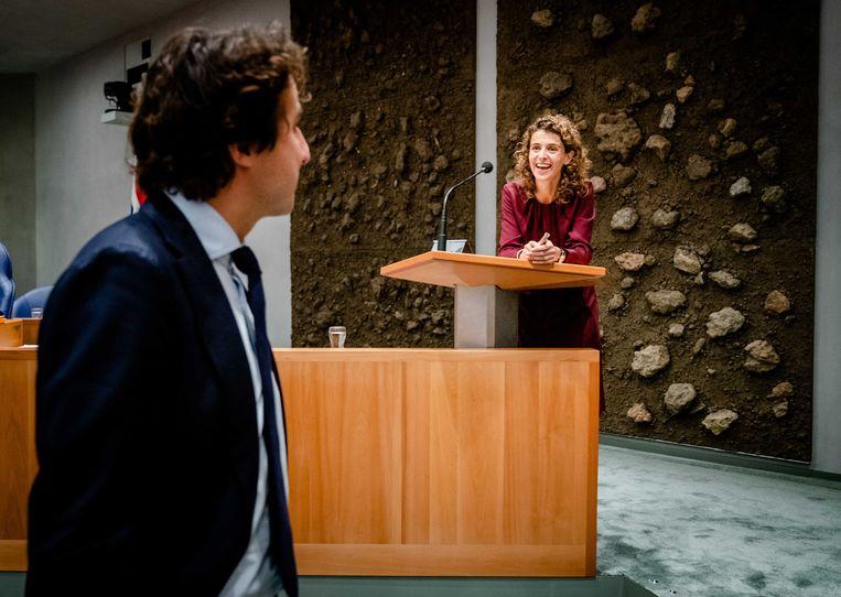 Jesse Klaver (GroenLinks) en Sophie Hermans (VVD) tijdens de eerste dag van de Algemene Politieke Beschouwingen. Beeld ANP