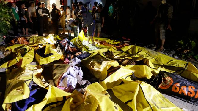 """Dodentol aardbevingen en tsunami in Sulawesi loopt op tot 1.200: """"Vrees voor duizenden doden"""""""