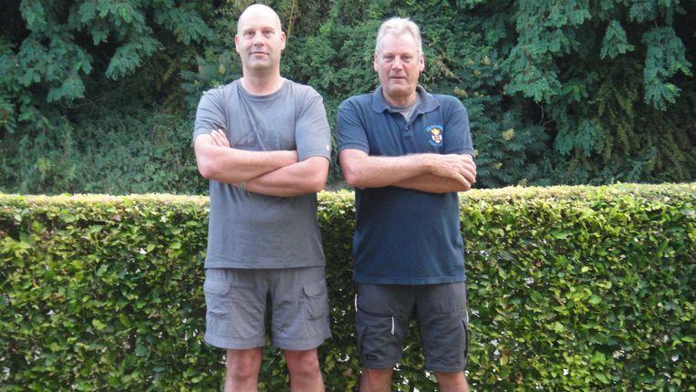 Stefan Robberechts (links) en Ronan Christiaens wandelen op 18 en 19 juli naar Scherpenheuvel en terug om geld in te zamelen voor de bewoners van de zwaar getroffen rusthuizen in Kapelle-op-den-Bos.