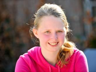 Vlaamse (18) vraagt meer aandacht voor ziekte die haar maandenlang doet slapen