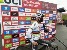 LIVE | Mathieu van der Poel maakt er een onemanshow van in Vestingcross