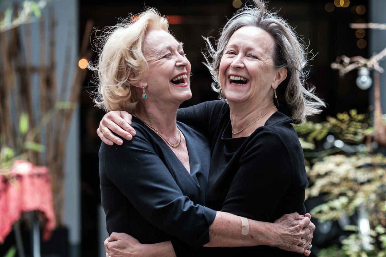 Leah en Chris Thys: 'Door het verlies van onze oudste zus zijn we alleen maar closer geworden.' Beeld Bob Van Mol