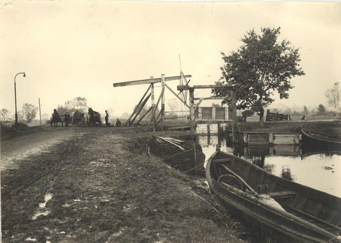 De sluis bij de Schipsloot in Vriezenveen wordt in ere hersteld.