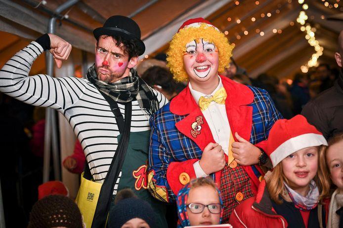 Clown Arjoentje op de kerstmarkt in Rumbeke.