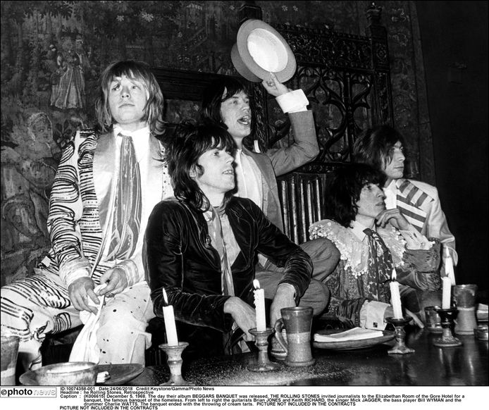 Op December 5, 1968, bij de release van hun album 'Beggars Banquet' . Van links naar rechts: Brian Jones en Keith Richards, Mick Jagger en Charlie Watts.