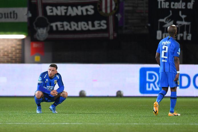 Maximilian Wittek en Eli Dasa balen na de nederlaag van Vitesse.