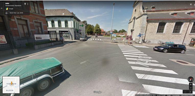 Het ongeval gebeurde op het kruispunt in Oudegem.