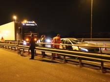 Lachgas van brug gegooid en jongen beroofd van fiets bij aanrijding A2 Waardenburg