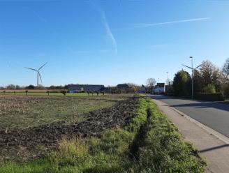 Al honderden bezwaarschriften tegen windmolens op industriepark Stookte