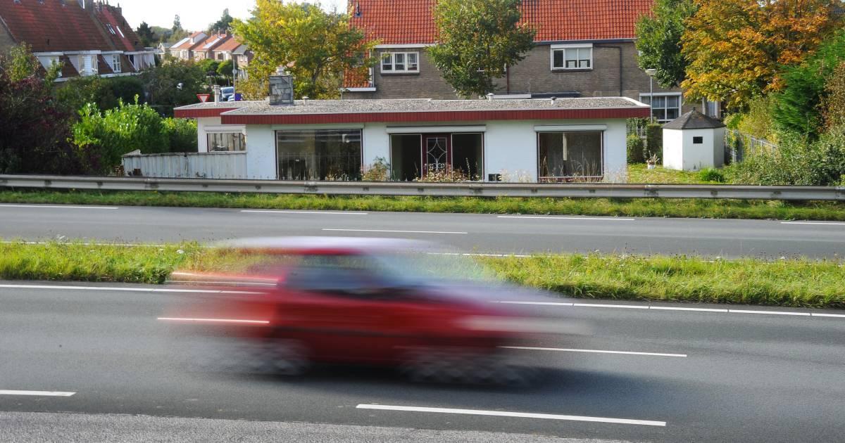 Ronkende motoren doen bewoners rond Nieuwe Vlissingseweg steeds schrikken: 'Het is wachten tot er een ongeluk gebeurt'.