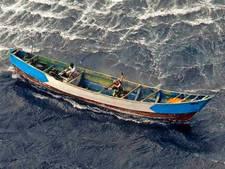 Meisje (17) dobbert 22 dagen op zee zonder eten, 56 passagiers omgekomen: 'Een massa-graf in zee'
