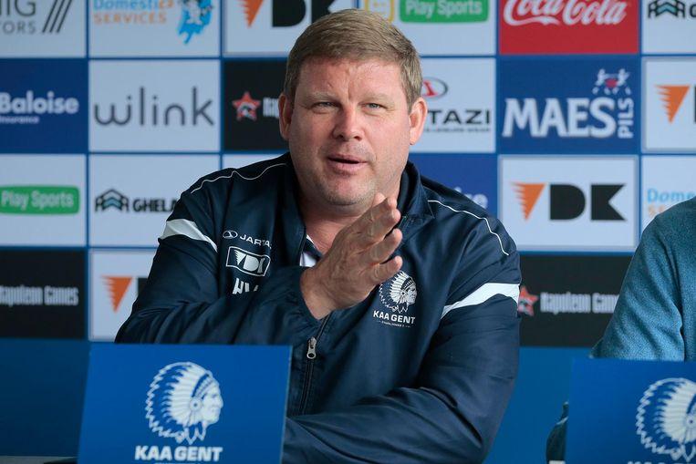 Hein Vanhaezebrouck als coach van AA Gent. Beeld photo_news