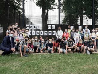 """Leerlingen lagere school gaan in dialoog met gedetineerden: """"Kinderen een ander beeld geven dan de boze boef met een gestreept gevangenisplunje"""""""
