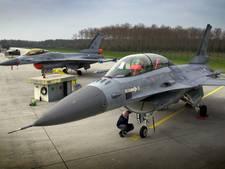 F-16's oefenen boven Land van Cuijk