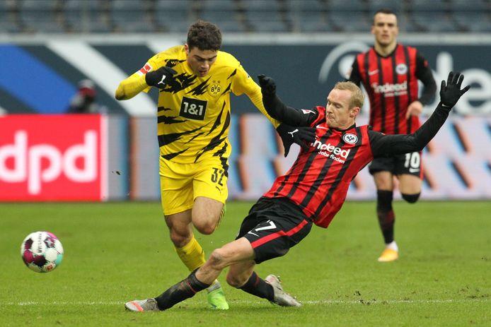 Borussia Dortmund loopt tegen Eintracht Frankfurt weer averij op.