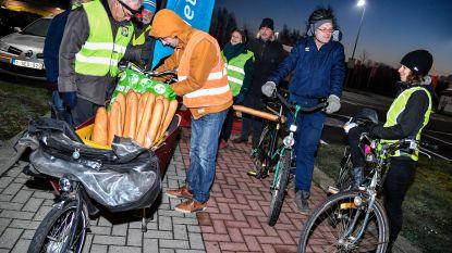 Fietsersbond voert actie: Met stokbroden op bagagedrager voor veiligere Sint-Gillislaan