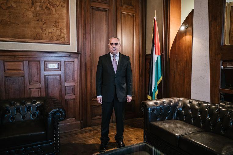 Abdalrahim Alfarra, Palestijns ambassadeur voor de EU, België en Luxemburg. Alfarra rekent op de Europese lidstaten om de leidersrol in vredesproces van de VS over te nemen? Beeld Wouter Van Vooren