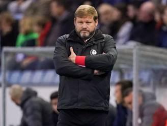 """Hein Vanhaezebrouck waarschuwt spelers: """"Wie denkt dat het op één been ook kan, is totaal respectloos"""""""