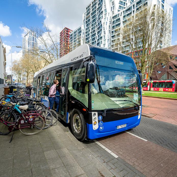 Tot donderdag is de Alstom bus nog te zien in de stad. Het voertuig maakt proefritjes.